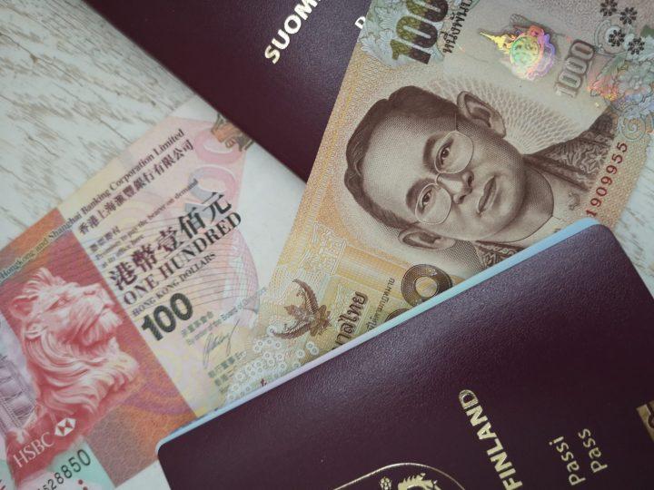 Mukaan lähtee niin Thaimaan bahteja, kuin Hong Kongin dollareitakin.