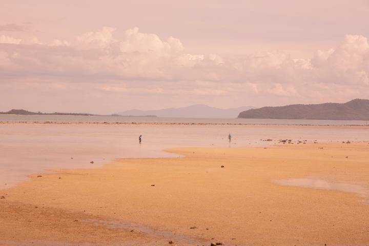 Kalastajat Koh Samuin Laem Sorin rannalla.