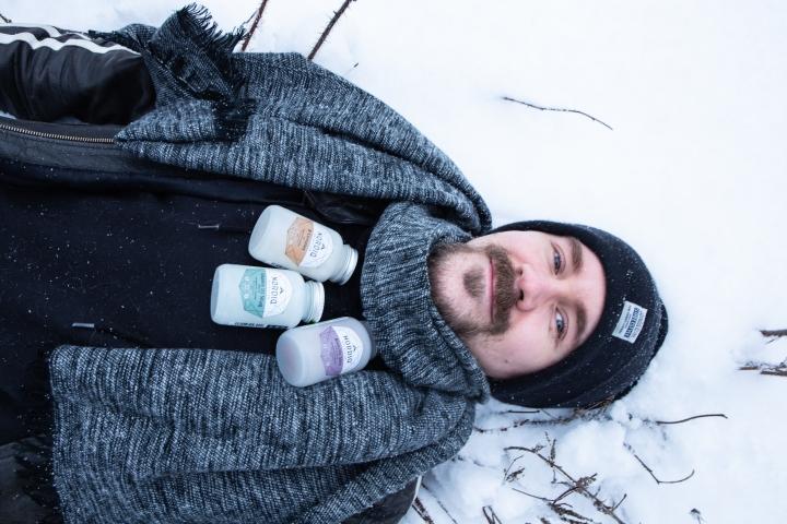 Vältä vilustuminen syömällä talvisin lisävitamiineja purkista.