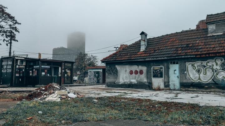 Sumu on Zagrebissa niin sankka, ettei kerrostalojakaan näe kunnolla. Aika mairittelevan näköinen kuva noin muutenkin.