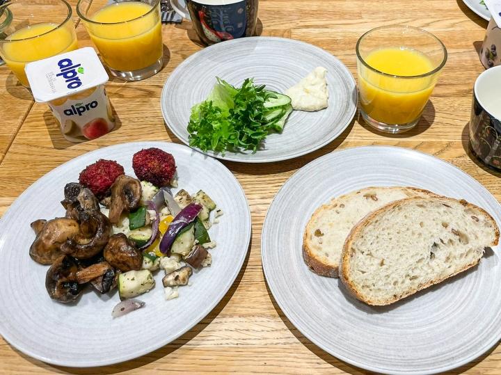 Indigon aaminen on jopa vegaanille erittäin monipuolinen ja täyttävä.